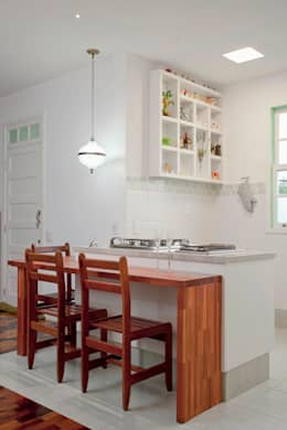 eclectic Kitchen by CMSP Arquitetura + Design