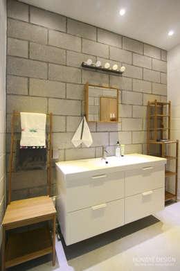 인테리어 사무실 인테리어_홍예디자인: 홍예디자인의  화장실