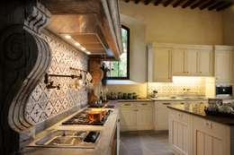 Lo stile classico contemporaneo riassunto in 5 progetti for Piani di casa di concetto aperto stile ranch