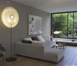 Diva de Celine Wright-Paris-France: Salon de style de style Moderne par HoMudane Concept Store