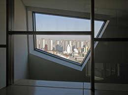 반포 577 주택 : 한울건축의  창문