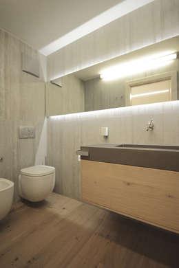 modern Bathroom by luigi bello architetto