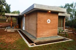 Bhatia Farm Residence: modern Houses by The Vrindavan Project