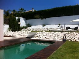 modern Pool by Soluziona Arquitectura