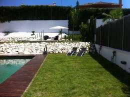 Projekty,  Ogród zaprojektowane przez Soluziona Arquitectura