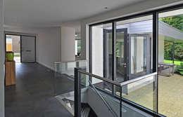 trapopgang na restyle:   door Duoplan Doetinchem Architecten