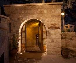 Kayakapi Premium Caves - Cappadocia – Emine Hanım evi Öncesi ve Sonrası: rustik tarz tarz Evler