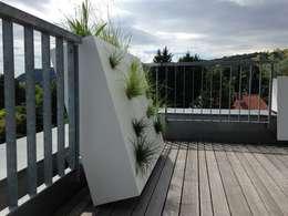 Balcones y terrazas de estilo moderno por neubert und fuchs_gartenabteilung
