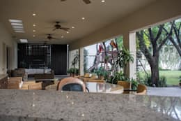 Casas de estilo ecléctico por CH Proyectos