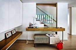 Pasillos, vestíbulos y escaleras de estilo moderno por ESPACEA