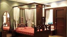 Fusion Style Bedroom Design (Bed View) :   by Creazione Interiors
