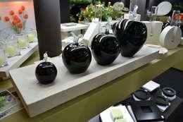 Manzanas y Globos de vidrio: Livings de estilo moderno por ARKEDECO S.A.