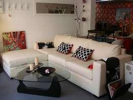 Sofas: Livings de estilo moderno por Nebula Muebles