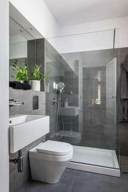 modern Bathroom by ambau taller d´arquitectes