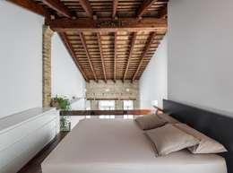 Projekty,  Sypialnia zaprojektowane przez ambau taller d´arquitectes