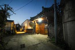 [경주 신축 전원주택 외관과 전경] 현대식 세련된 신축 ALC주택: (주)홈스토리의  주택