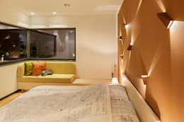 Orange. LUXHAUS Musterhaus München: Moderne Schlafzimmer Von  Lopez Fotodesign
