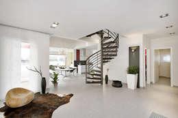 Corridor & hallway by Lopez-Fotodesign