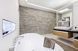 modern Bathroom by Lopez-Fotodesign