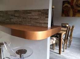 Cocinas de estilo moderno por piano a