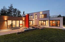 LUXHAUS Musterhaus Georgensgmünd:  Terrasse von Lopez-Fotodesign