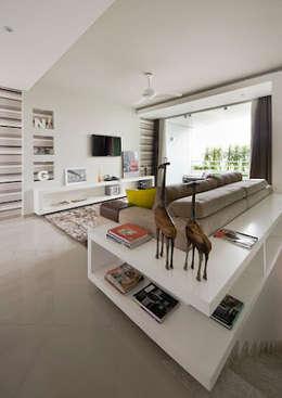 Magno Moreira Arquitetura: modern tarz Oturma Odası