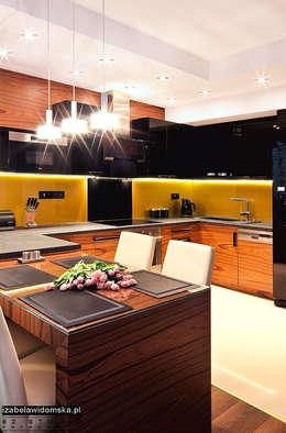 Cozinhas modernas por Izabela Widomska Interiors