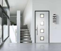 Fenêtres & Portes de style de style Moderne par quartieri luigi