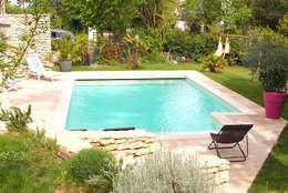 La piscine en Béton 100% armé: Piscines  de style  par Oplus piscines