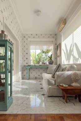 بلكونات وشرفات تنفيذ Marcia Pellegrini Designer + Interiores