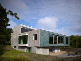 modern Houses by De Zwarte Hond