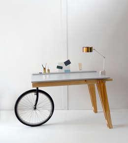 scandinavian Study/office by Studio Isabel Quiroga