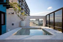 Projekty,  Taras zaprojektowane przez Carmen Mouro - Arquitetura de Exteriores e Paisagismo
