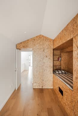 modern Nursery/kid's room by Floret Arquitectura