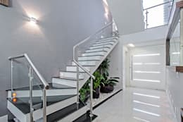 Hành lang by Patrícia Azoni Arquitetura + Arte & Design
