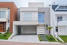 FACHADA : Casas modernas por Patrícia Azoni Arquitetura + Arte & Design