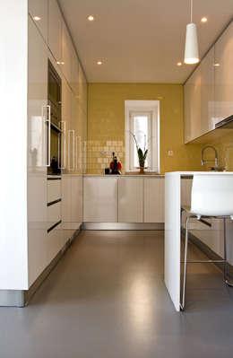 modern Kitchen by involve arquitectos