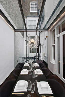 เรือนกระจก by ÜberRaum Architects