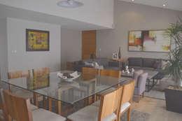 Comedores de estilo clásico por CuboB Arquitectura de Interiores