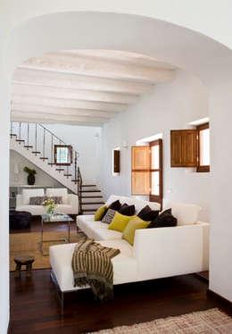 Salas / recibidores de estilo rural por recdi8