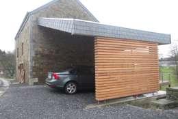 Garajes y galpones de estilo moderno por Aj-architectes sprl
