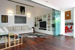ห้องนั่งเล่น by oda - oficina de arquitectura