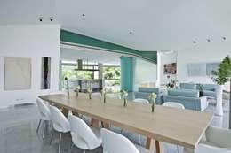 Casa AG: Comedores de estilo moderno por oda - oficina de arquitectura