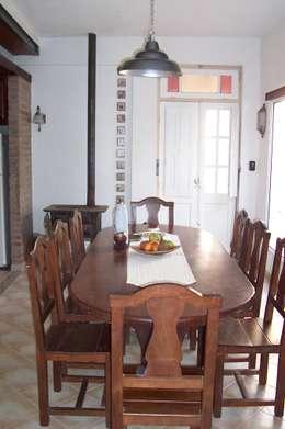 Salle à manger de style de style Rustique par milena oitana