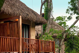 Hotel Matlali Selva: Terrazas de estilo  por BR  ARQUITECTOS