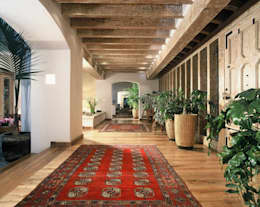 Pasillos y vestíbulos de estilo  por JR Arquitectos