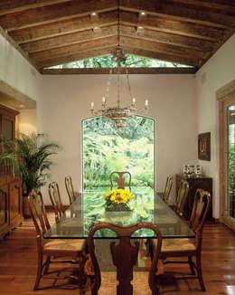 Comedores de estilo clásico por JR Arquitectos