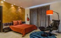 Nahata Residence.: modern Bedroom by In-situ Design