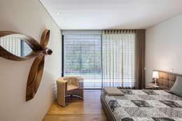 Projekty,  Sypialnia zaprojektowane przez INAIN Interior Design