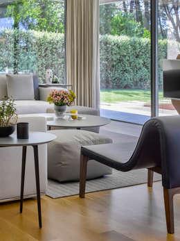 moderne Woonkamer door INAIN Interior Design